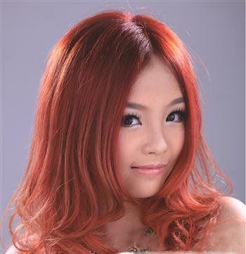 大脸女孩适合的时尚染发发型图片