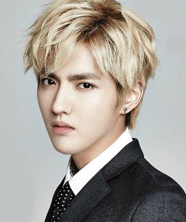 吴亦凡脸型_倒三角脸型适合哪个男明星的发型 倒三角脸男生适合的发型_发型 ...