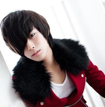 斜刘海男生时尚发型-斜刘海男怎么吹头发才能蓬松 男生斜刘海发型图片