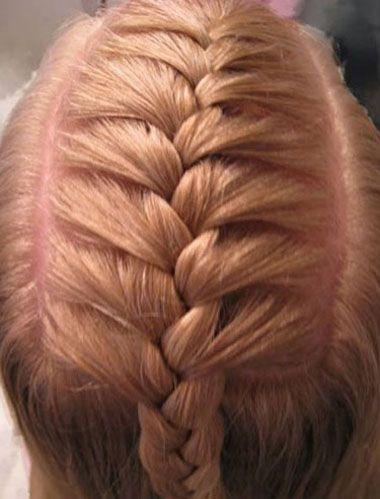 好看的辫子发型,下文中就有一款女童 发型设计步骤,教各位妈妈们 儿童