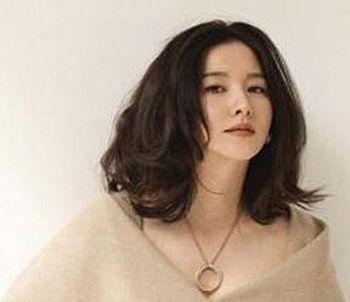 2015女款圆脸中长发发型 中长发圆脸发型图片图片