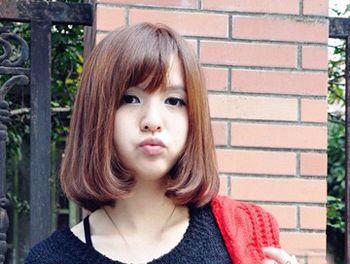 大圆脸斜刘海梨花头发型 大圆脸适合的斜刘海梨花头发型(3)图片