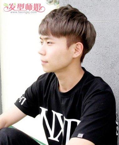 jane 分享到  沿着头型有着个性造型的男学生短发发型,刘海有些内扣的图片