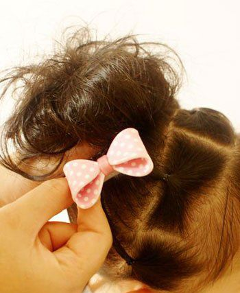小女孩发型绑扎方法 让宝贝更漂亮的扎法图解(5)