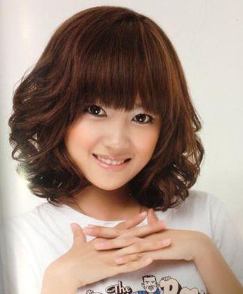 中短发小卷梨花烫发型 90后梨花卷发型图片 发型师姐