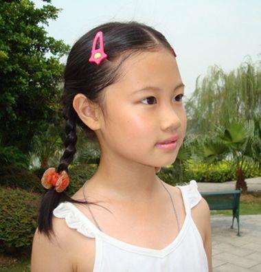 小女孩怎么编发简单好看 小女孩夏天好看编发发型图片图片