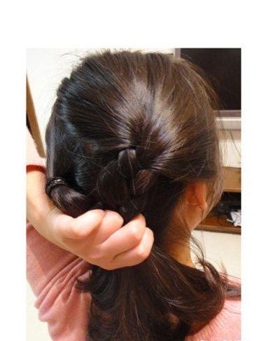 学生长发发型扎法 学生中长发发型扎法步骤(2)图片