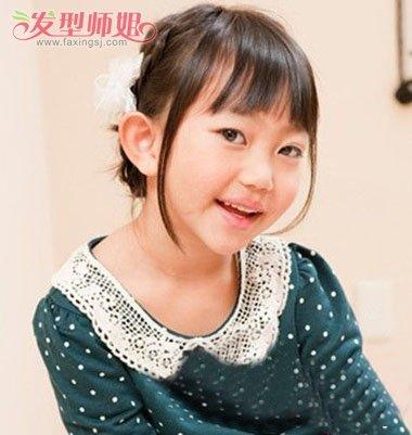 短发女孩编头发步骤 小孩怎样编头发好看图解(4)