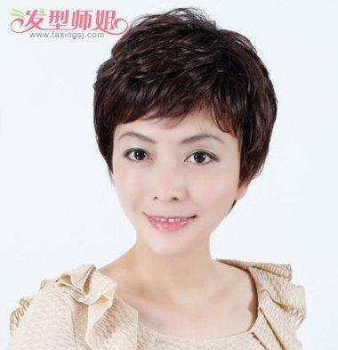 中年人烫小卷什么发型 中年人烫满头小卷好看吗 发型师姐