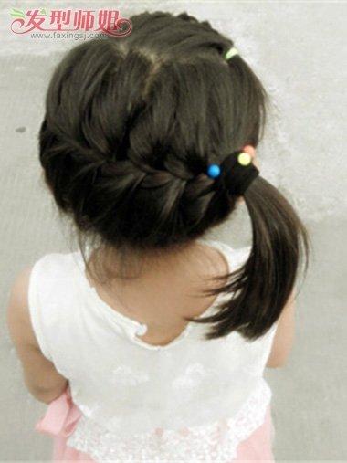 发型设计 儿童发型 >> 小孩怎样编头发好看 简单的小女孩头发编法(4)图片