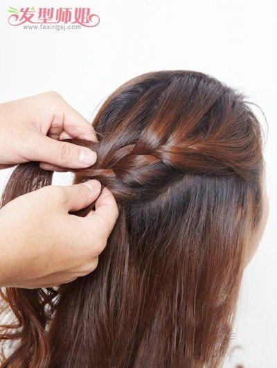斜边盘发发型步骤图片