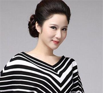 中年女生盘发发型 中年长发发型盘法和款式图片