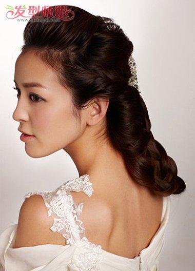 怎样自己编简单的发型 新娘编织盘发发型图解图片