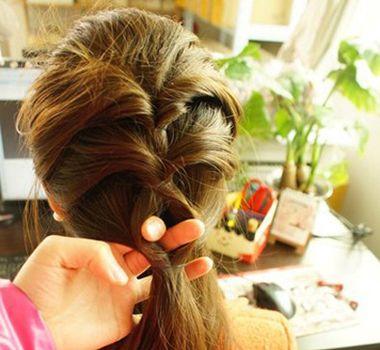 适合中学生的发型扎法 学生长头发发型扎法图解图片