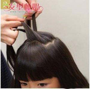 发型设计 儿童发型 >> 小女孩齐刘海怎么编小辫子 小孩编头发的步骤及图片