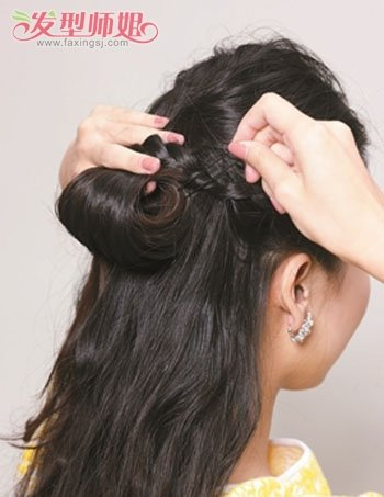 50岁女人发型怎样盘 简单直发盘发发型扎法图片