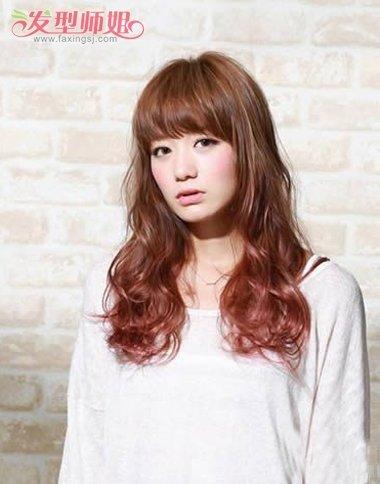 齐刘海韩国长发大卷发型图片 韩国女生大卷烫发图片