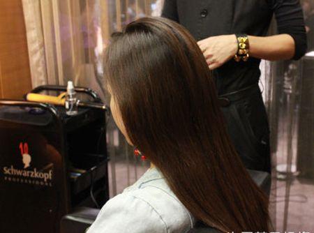 彩带编辫子的发型图解