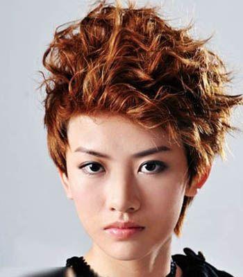 烫什么样的发型显头发多 显发量多的中短发烫发发型(4图片