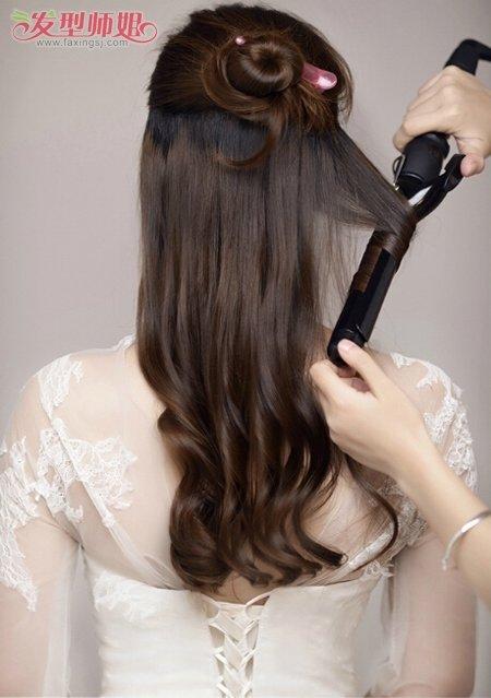 卷发新娘盘怎样的头发好看 新娘盘头发的方法学习(3)