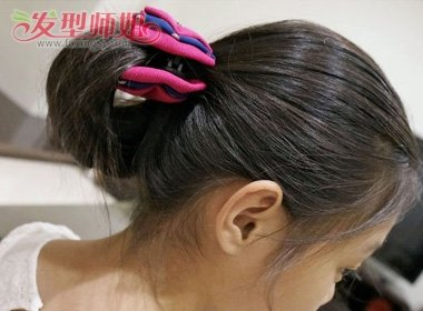 小女孩中长发发型扎法