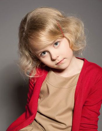 >> 几岁的女孩可以烫头发 三岁女宝宝烫头发发型  看到这款小卷发波波图片