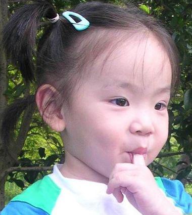 三岁小女孩短发扎发发型