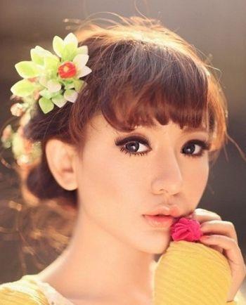 2016流行的齐刘海秋季绑发发型 齐刘海扎发发型