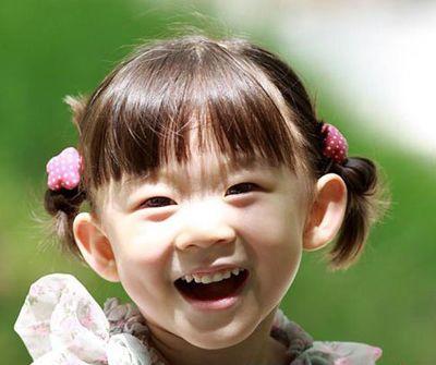 齐刘海小朋友扎头发可爱图片 小孩齐刘海扎头发发型(2图片