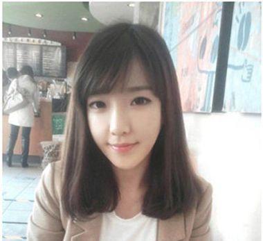 中长发斜刘海的宅女简单的发型 女生简单大方斜刘海长发发型(4)图片