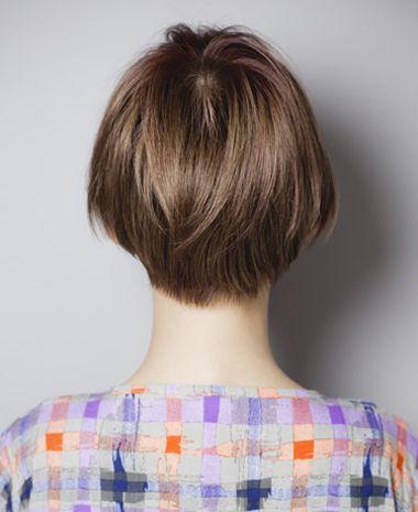 没有刘海的短发沙宣怎么扎起来步骤图片