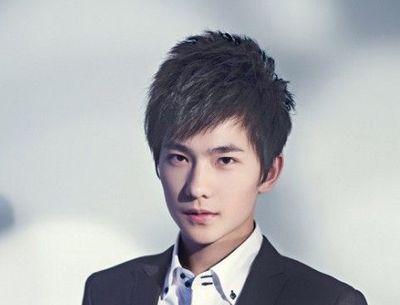 斜男生刘海发型 斜刘海短发发型流行趋势(4)图片