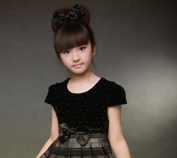 小女孩盘头发的方法图片