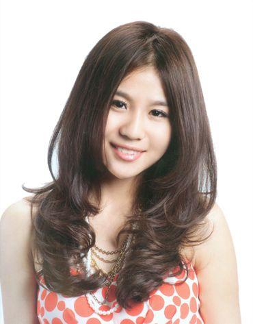 头发烫梨花卷是怎样的 现在流行的小卷冷烫梨花烫图片 发型师姐