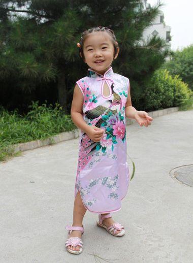 发型设计 儿童发型 >> 小女孩简单发型扎法图解 小女孩短发发型扎法图图片