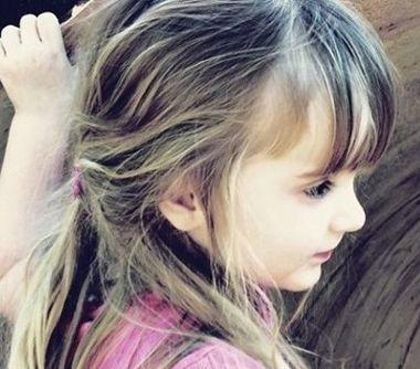 儿童刘海辫子的扎法图片 女童刘海扎发发型图片