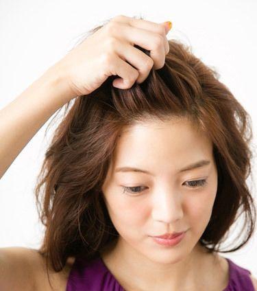 学生怎么扎出好看的无刘海发型 中学生中发发型扎法图解图片