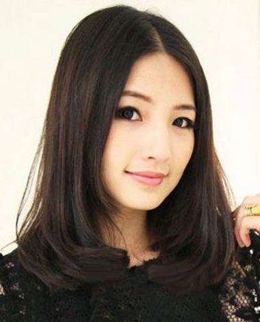 中分内卷齐肩梨花头发型-最新梨花烫发型 最新款梨花头发型 发型师姐图片