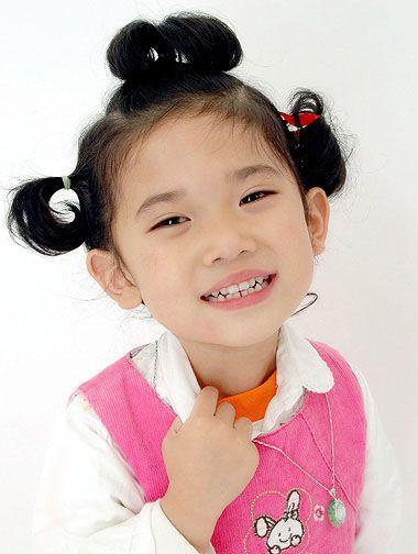 儿童短发盘发发型图片步骤 儿童盘发短发发型扎法图片