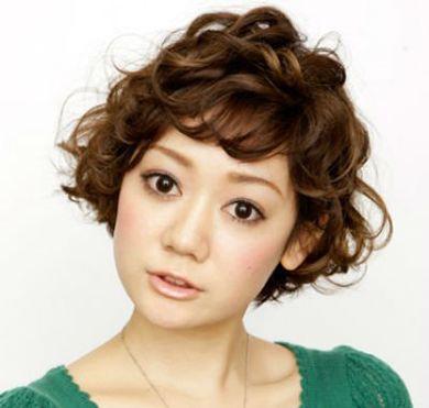 烫好的卷刘海为什么会往外翻 烫斜刘海卷发发型图片(2图片