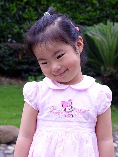 小女孩短发发型设计与脸型搭配 小女孩盘头的发型(4)