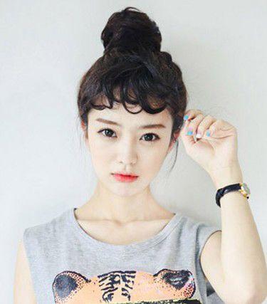 额头高,头发少的女生适合什么样的刘海跟发型?图片