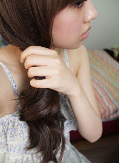 齐刘海直发扎头发方法  齐刘海的直发都适合梳什么样的款式?图片