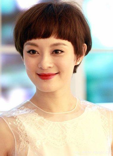 圆脸齐刘海适合什么短发图片 短圆脸剪齐刘海