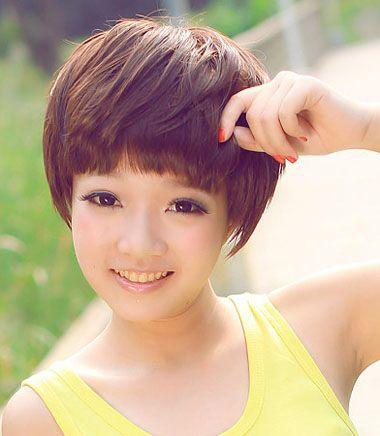 圆脸女生刘海�yg�_圆脸齐刘海适合什么短发图片 短圆脸剪齐刘海(2)