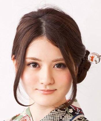 圆脸怎么盘头发好看又简单 圆脸直发盘发发型图片