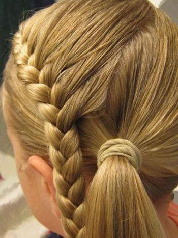 适于小孩的编头发步骤及图片 学给孩子编头发(3)_发型