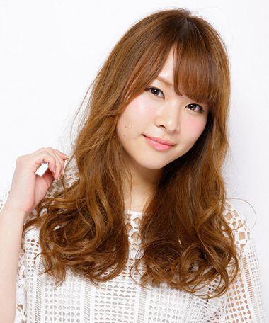 长脸适合什么烫发发型 最新长脸女士烫发发型图片(3)图片