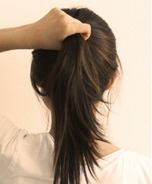 中学生简单盘头发的方法图解