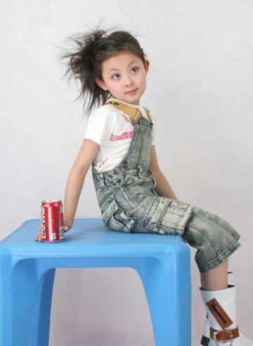 儿童生活盘发发型 简单儿童盘发发型图片图片